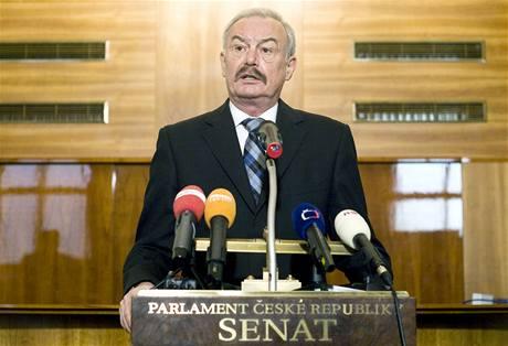 Předseda  Senátu Přemysla Sobotka vyzval Mirka Topolánka k rezignaci na post  předsedy ODS. (22. března 2010)