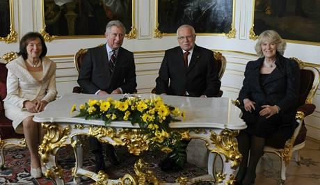 Princ Charles s Camillou na Pražském hradě