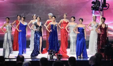 Finalistky České Miss 2010 v šatech návrhářky Jany Berg