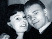 Jen tři roky žila Trudie Bryksová se svým manželem Josefem. Pak bývalého pilota RAF zatkli komunisté.