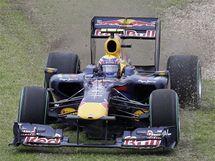 Mark Webber ze stáje Red Bull se při Velké ceně Austrálie ocitl mimo trať.