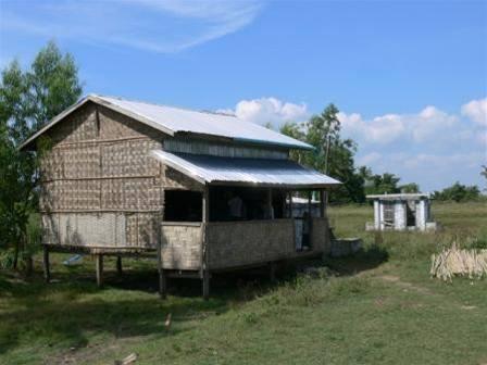 Škola v barmské vesnici Wa Boe Kone.