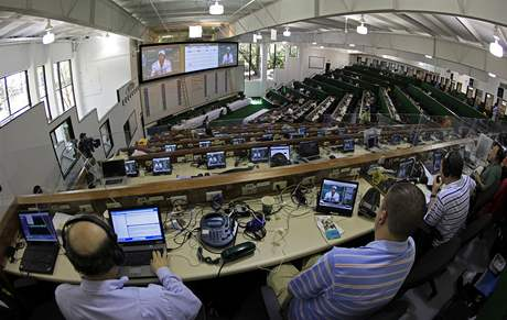 Media center US Masters 2010 v době tiskové konference Tigera Woodse.