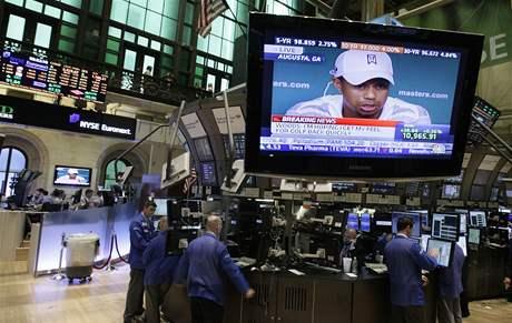 Burza na Wall Street v době tiskové konference Tigera Woodse před US Masters 2010.
