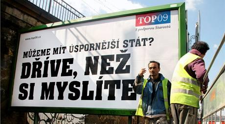 Předvolební billboard strany TOP 09.