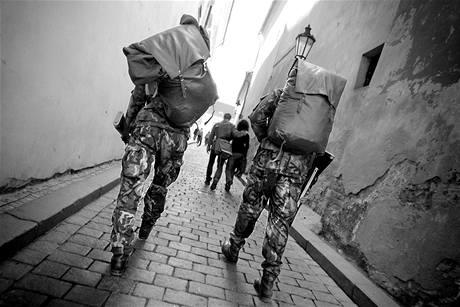 Bezpečnostní opatření v okolí Pražského hradu. (8. dubna 2010)
