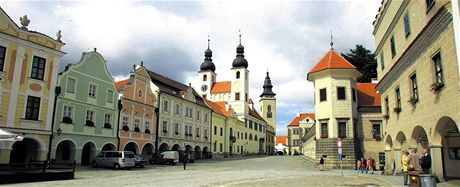 Náměstí v Telči je příkladem citlivé rekonstrukce. Bylo proto zapsáno do světově chráněných památek UNESCO.