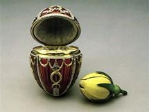 Tento klenot vyrobil Carl Fabergé v roce 1895 pro cara Mikuláše II., který se honosil titulem Imperátor vší Rusi.