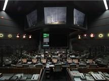 Kosmodrom v Kourou, Francouzská Guyana: řídící středisko letu. Na monotorech je ještě vidět raketa Ariane 5 připravená k později zrušenému startu.