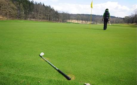Seriál o golfových pravidlech - zapomenutá hůl.