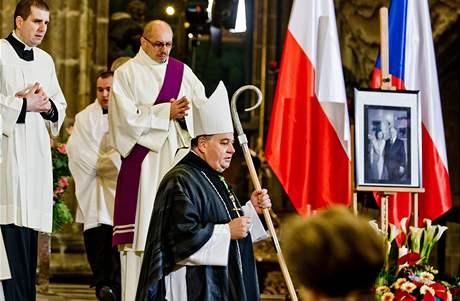 Arcibiskup Dominik Duka sloužil v katedrále sv. Víta mši za oběti havárie polského letadla v Rusku (16. dubna 2010)