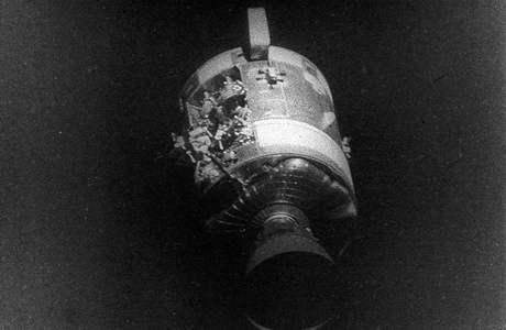 Explozí poškozený servisní modul Odyssey