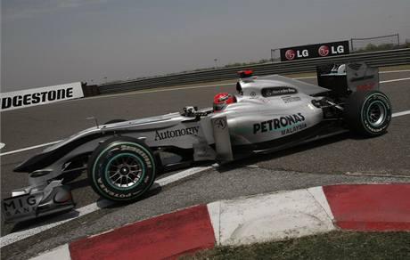 Michael Schumacher na trati Velké ceny Číny.