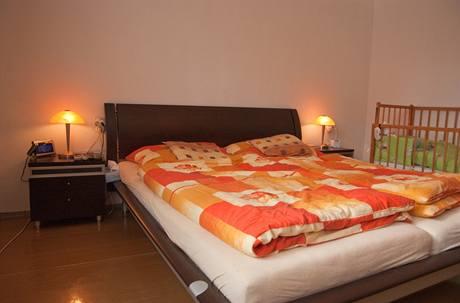 Do ložnice si majitelé pořídili novou postel