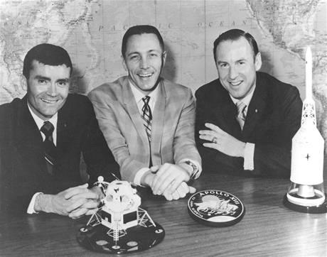 Posádka Apolla 13. Zleva: Fred Haise, John Swigert a James Lovell