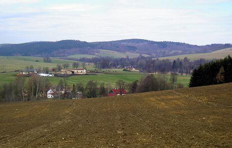 Buková hora nad nad osadou Severní – nejsevernější kopec v ČR