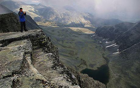 Norsko, Národní park Rondane, pohled z vrcholu Vinjenrondenu