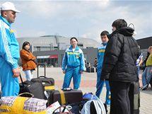 Cestující z Kazachstánu na brněnském letišti zastavila informace o zrušeném letu do Prahy