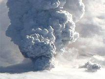 Prach z výbuchu islandské sopky (15. dubna 2010)