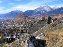 Švýcarsko, Sion, opevnění hradu Tourbillon (Valais)