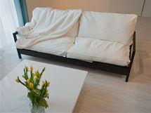 Jednoduchá pohovka nabízí stejně pohodlí jako ta původní