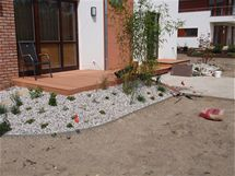 Terasa propojená se zahradou