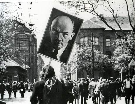 Přísliby minulosti - Bálint Szombathy: Lenin in Budapest, 1972. Photo action.