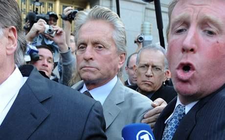 Michael Douglas u soudu, který jeho syna poslal na pět let do vězení