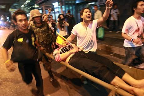 Nepokoje v thajské metropoli pokračují už šestý týden (22. dubna 2010)