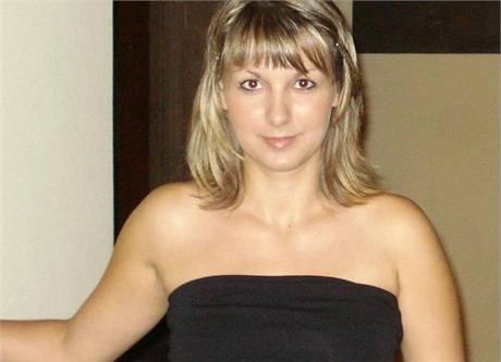 """Lucie Rovná             říká, že zůstane věrná levici, ale možná """"bude poprvé volit spíš nové a            menší politické subjekty""""."""