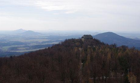 Nejvyšší vrchol Hvozdu s chatou