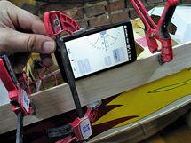 Úhel nastavení zjistíte pouhým přiložením mobilu