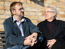 Ladislav Verecký při rozhovoru se spisovatelem Pavlem Kohoutem. (2008)