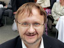 Ladislav Verecký při natáčení televizního seriálu Ulice. (2006)