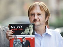 Novináři Martin Komárek a Ladislav Verecký při křtu své knihy Objevy redaktorů. (2009)