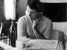 Čtení novin bylo už od mládí jeho zálibou.