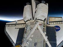 Raketoplán Discovery na oběžné dráze