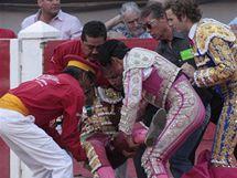 Španělského matadora napadl býk