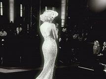 Jennifer Lopezová jako Marilyn