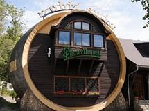 Restaurace Obří sud na u začátku singletracku