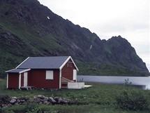 Norsko, Lofoty, rybářská chata u jezera Agvatnet