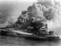 1979 - p�i sr�ce dvou tanker� u Trinidadu a Tobaga ob� lod� vzpl�ly.