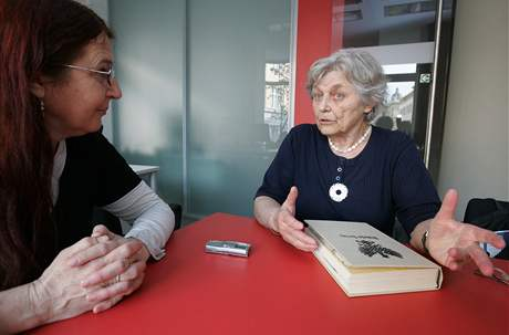 Historička Milena Flodrová s redaktorkou Janou Soukupovou.