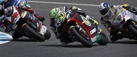 Toni Elias (uprostřed) během Velké ceny Jerezu silničních motocyklů.