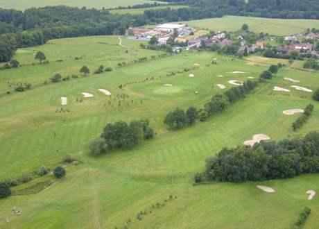 Hřiště Véska Golf Clubu Olomouc.