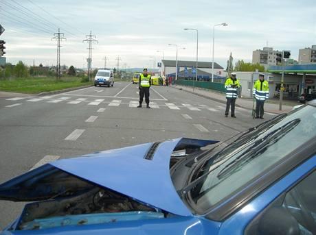 V Mladé Boleslavi havarovala sanitka s popáleným pacientem. (5. 5. 2010)