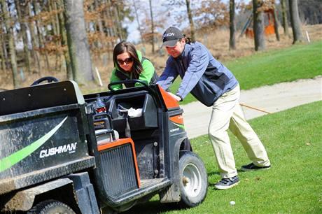 Seriál o golfových pravidlech - odstraňování pohyblivé závady.