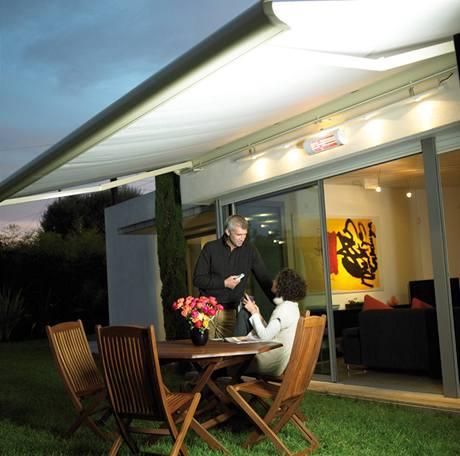 V chladném jarním či podzimním počasí vám tepelné rampy dovolí zůstat venku na čerstvém vzduchu. A nenastydnout.