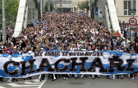Pochod fanoušků Baníku Ostravou (2. května 2010)