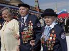Váleční veteráni při oslavách 65. výročí vítězství v II. světové válce (9. května 2010)
